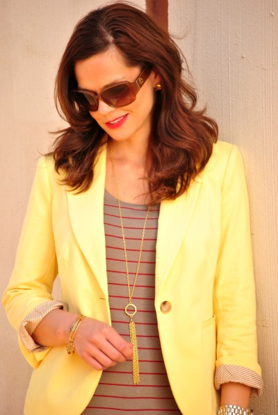 yellow-blazer-striped-shirt-gold-accessories-400x597