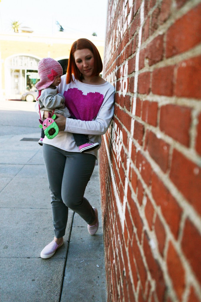 How cute are these matching mommy and me sweatshirts? I love the pink touches and her baby pink converse!