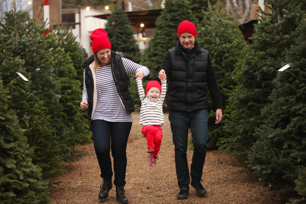 What to Wear for Family Photos by Lipgloss and Crayons: wear a dash of red