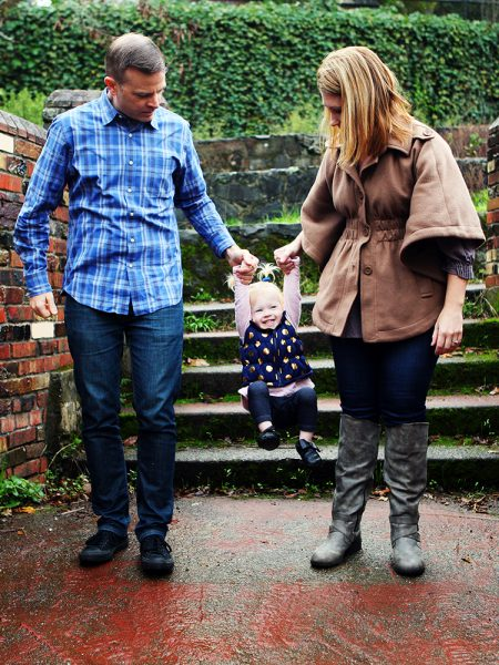 What to Wear in Family Photos: Toddler Style