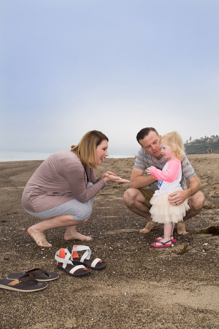 What to Wear in Family Photos: Beach