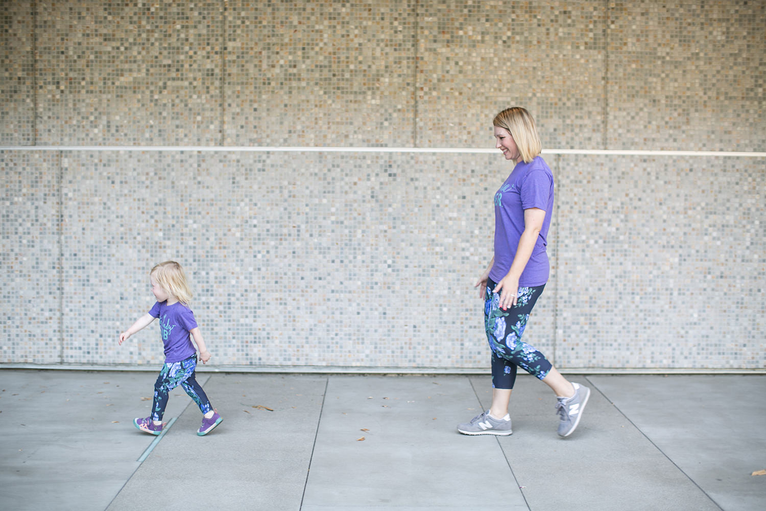 I love these mommy and me leggings, so cute!