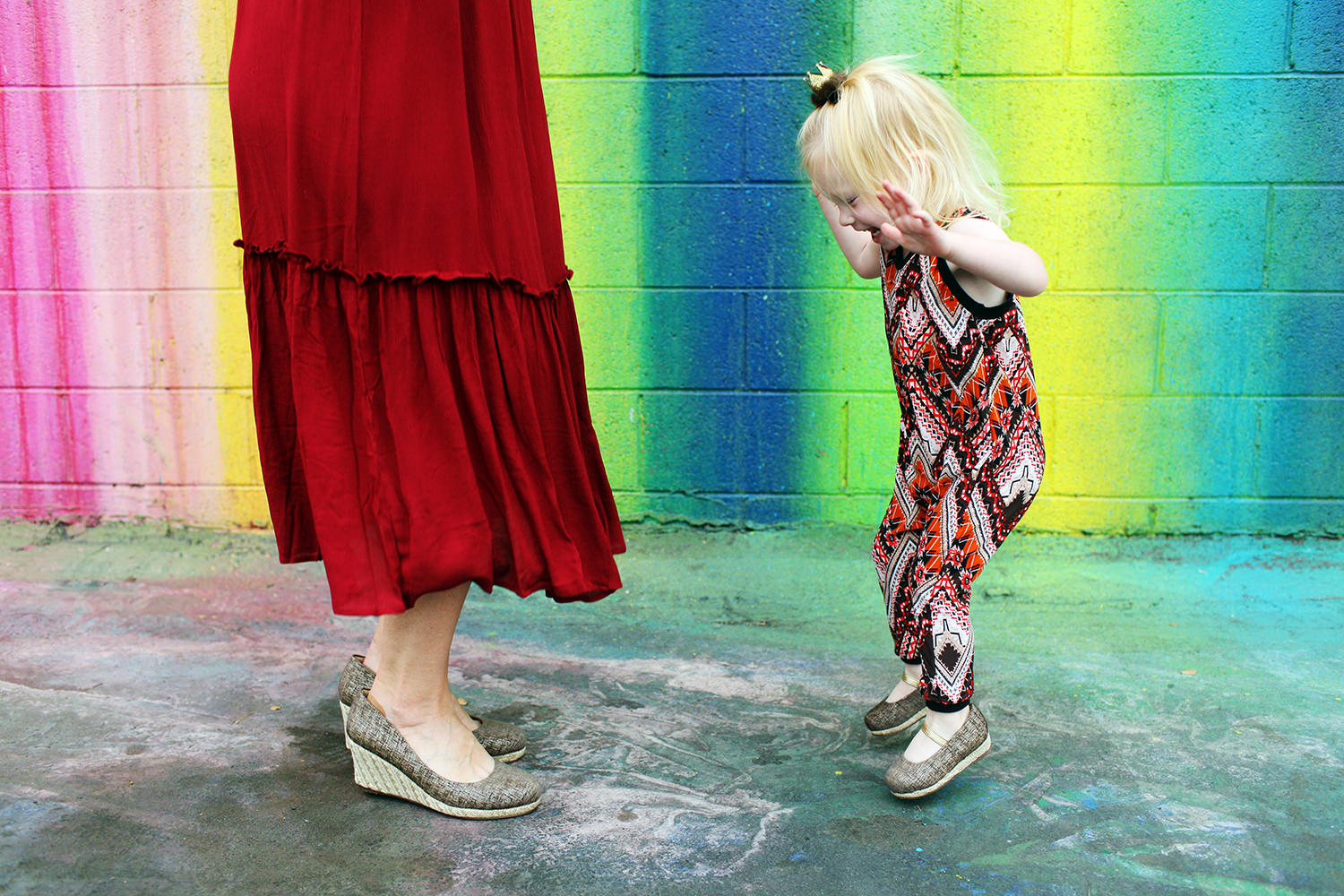 This is more than a mommy and me outfit.....these brands are teaming up to fundraise and donate money to high poverty classrooms in the US. Shop these mommy and me shoes, earrings or fall romper.....and help classrooms in need!