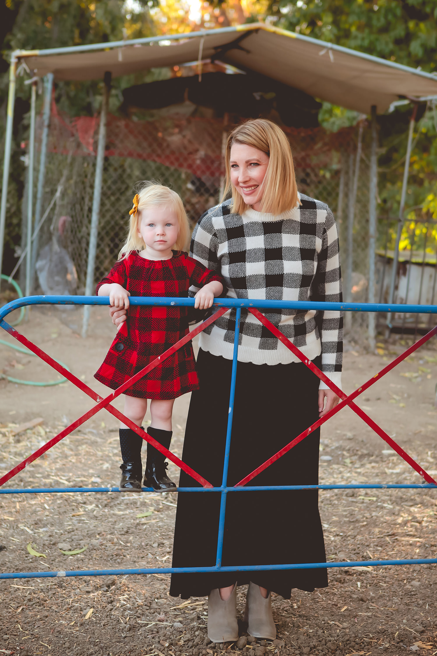 I love this plaid mommy and me outfit! And that Lula Roe Maxi skirt? ADORABLE!