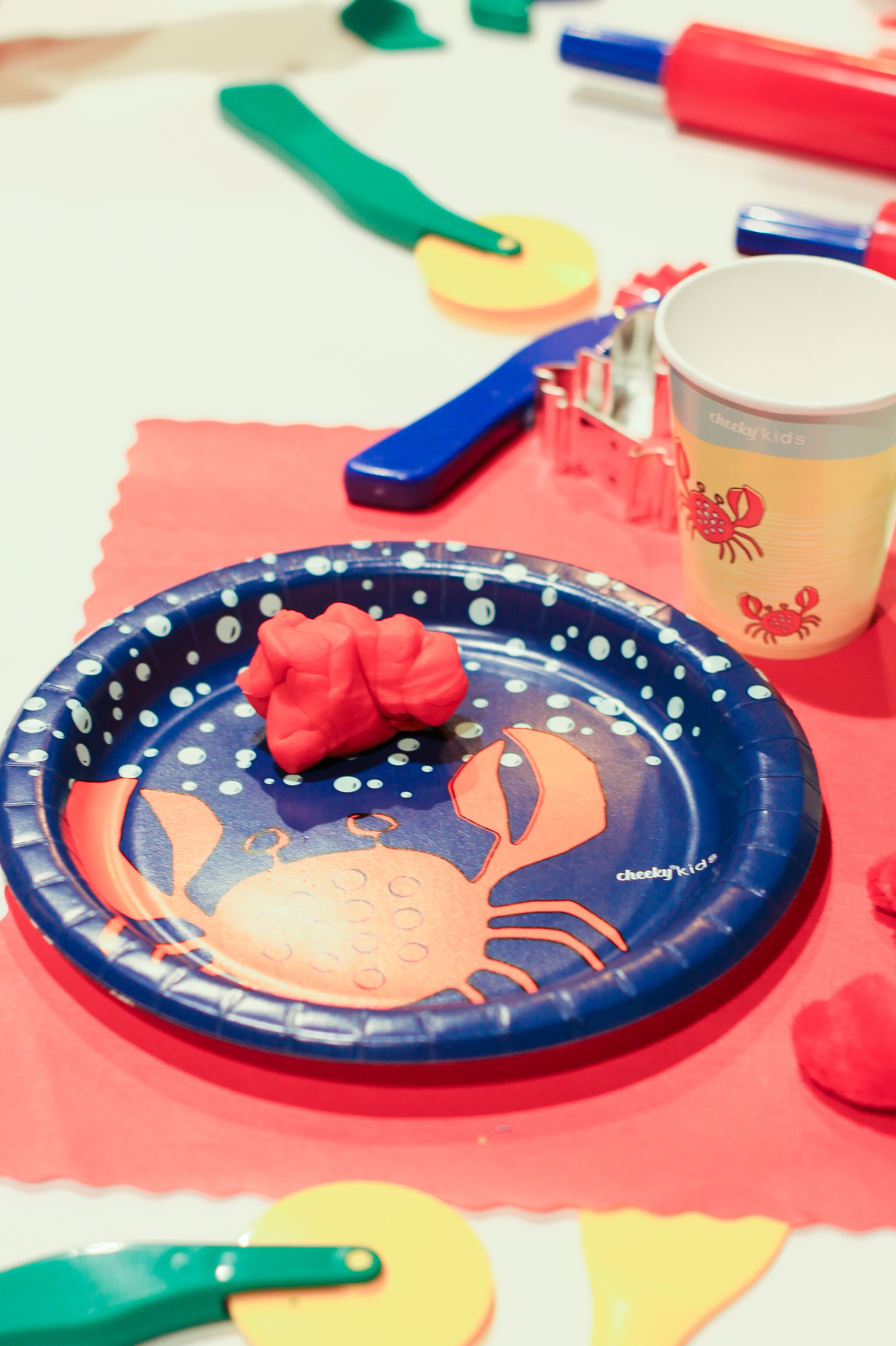 Cheeky Kids has an adorable collection of kid friendly tablewear, and gives meals to feed empty tummies nationwide.