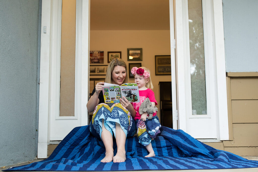 A Fantastic Printable Reading Log to Encourage Families to Read Together by lifestyle blogger Carly from Lipgloss and Crayons