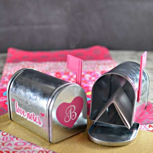 Valentine'ss Day Love Notes Mailbox