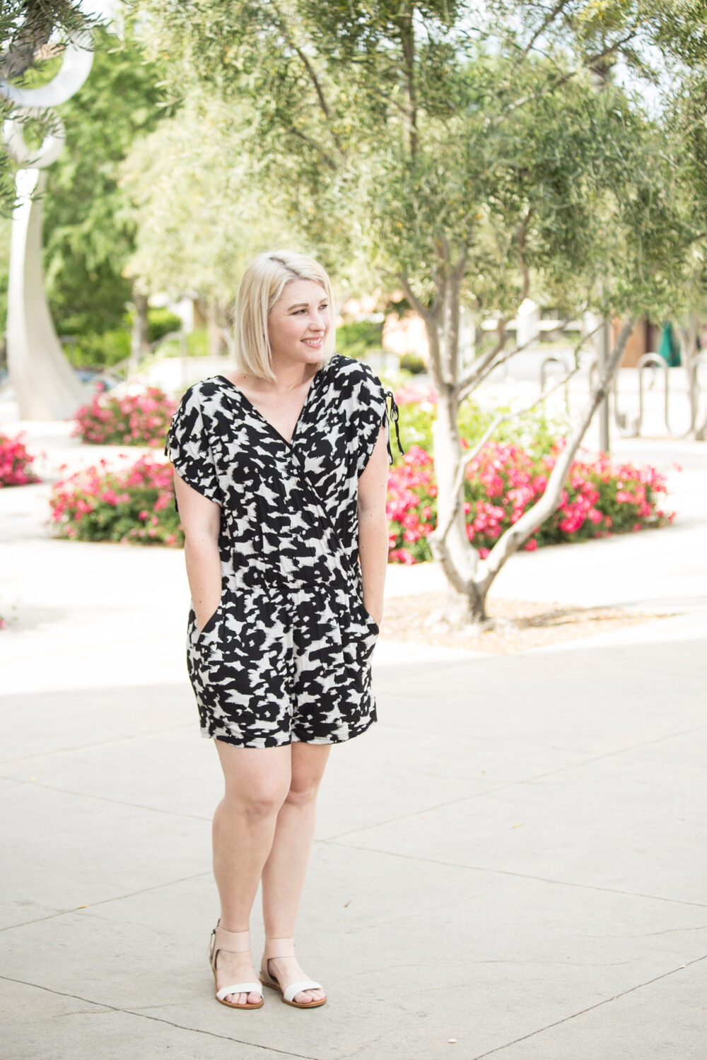 Lifestyle blogger Carly of Lipgloss & Crayons brings you a Stitch Fix Review for June of 2017. See what she kept from her fix for this month!: Isn't this Market & Spruce Ralphie Knit Romper adorable? I love a great floral romper!
