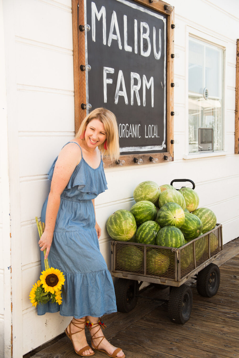 This chambray dress is the PERFECT casual sundress!