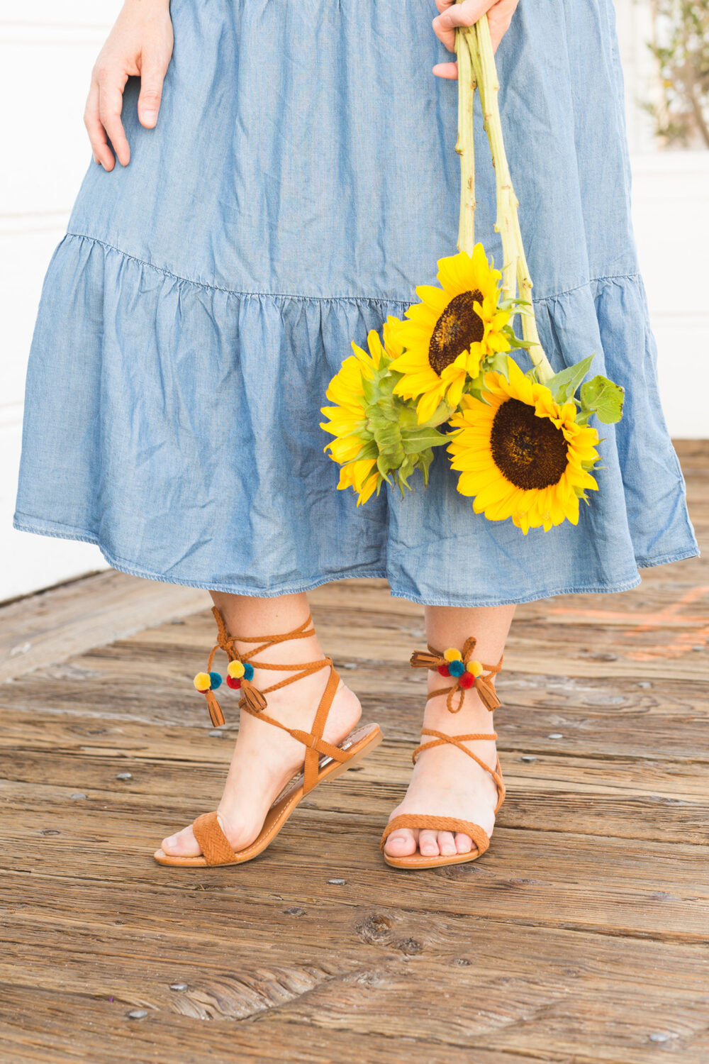This chambray dress is the PERFECT casual sundress and how cute are these pom pom sandals?!?