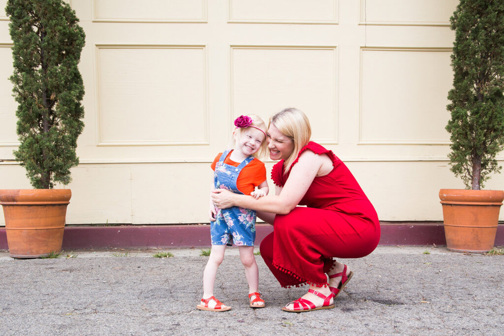 Looking for an adorable summer outfit? This red jumpsuit is the CUTEST!