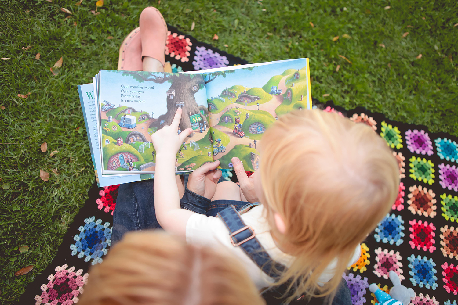 Looking for the best books for preschoolers?!?  These are five children's books that every preschooler will love.