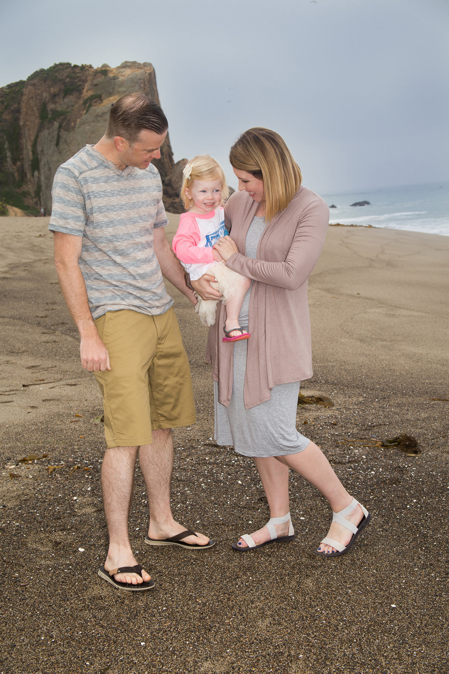 Taking family photos on the beach this year? Then you need these tips!