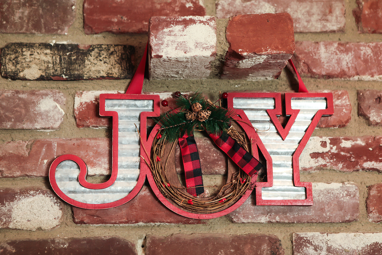 Christmas Decor: Isn't this rustic christmas sign adorable?!?