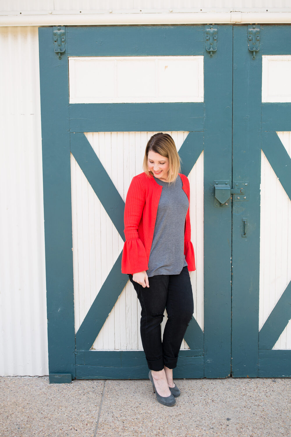 Need to dress for your pear shape body? Los Angeles Lifestyle blogger, Lipgloss & Crayons shares the perfect red cardigan!