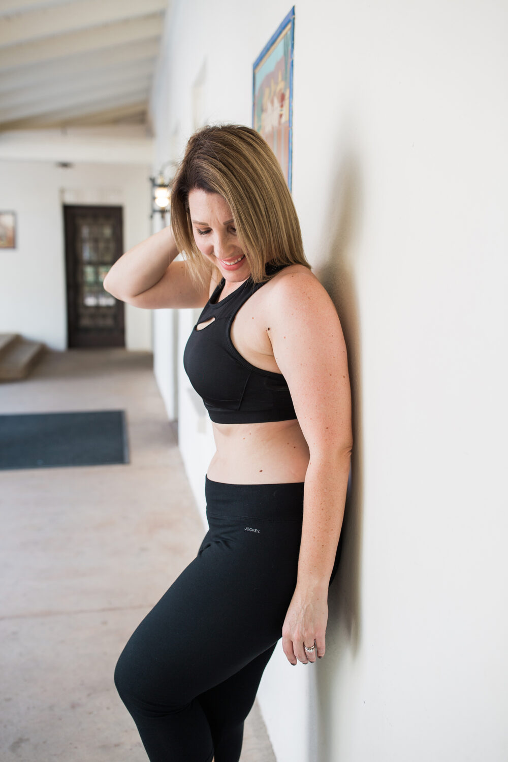 On the search for basic, neutral workout gear? These are the best workout pants for a pear shape!