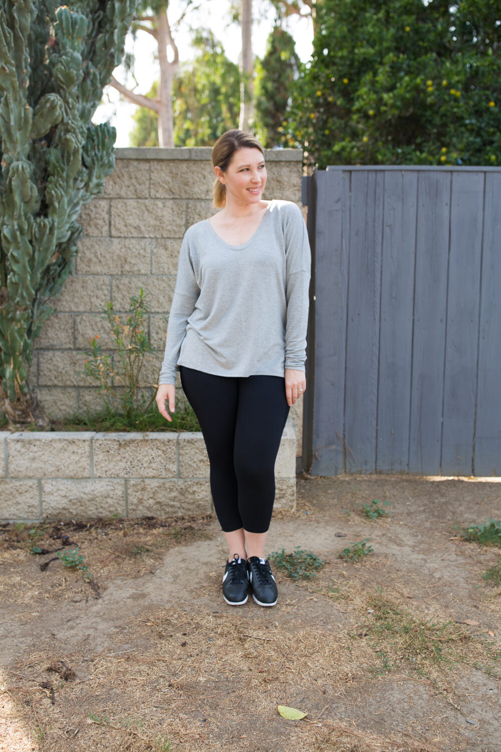 Looking for black workout pants? These Zella leggings are GREAT on a pear shape body!