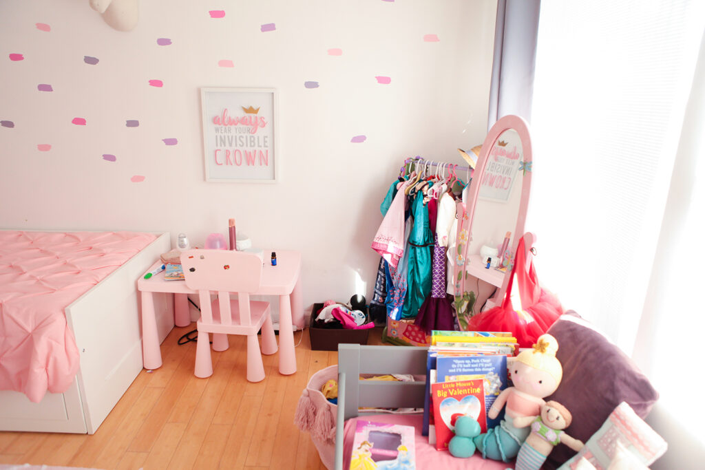 Are you looking to update your toddler's room? Check out how Los Angeles Lifestyle blogger, Lipgloss & Crayons gives her daughter a princess room makeover.