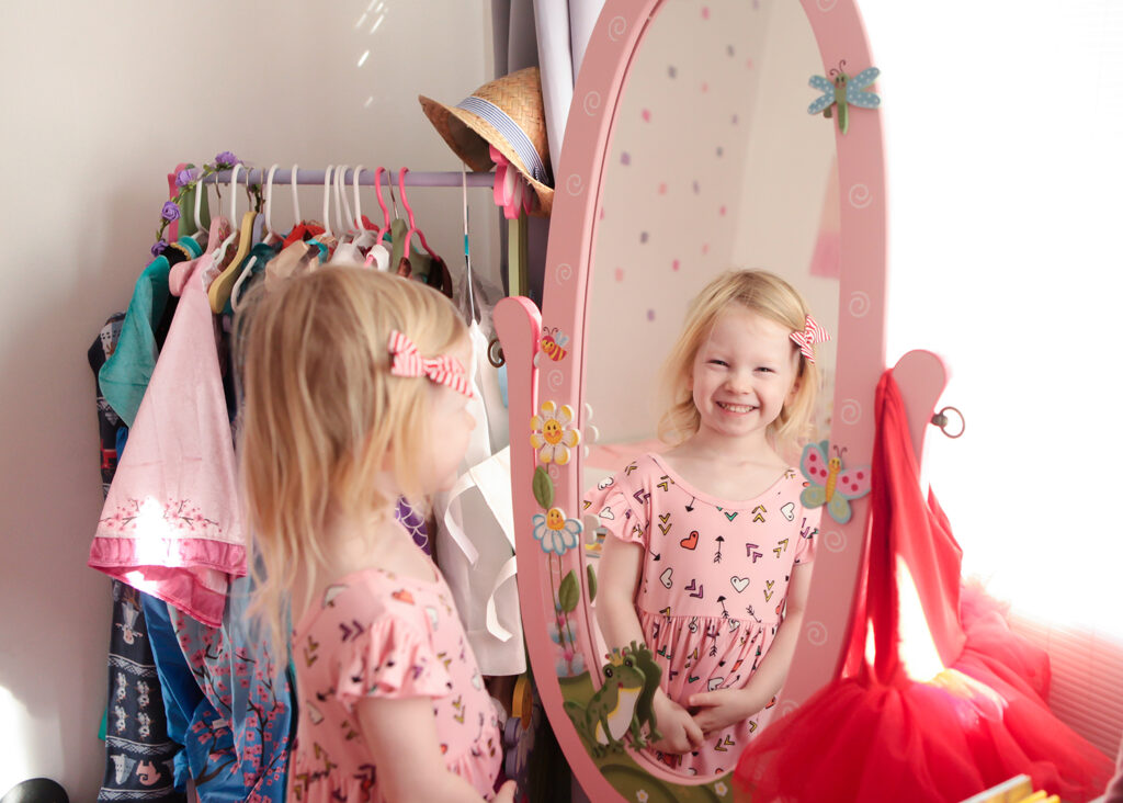 Dress up Mirror: This pink mirror is perfect for a preschooler's room!