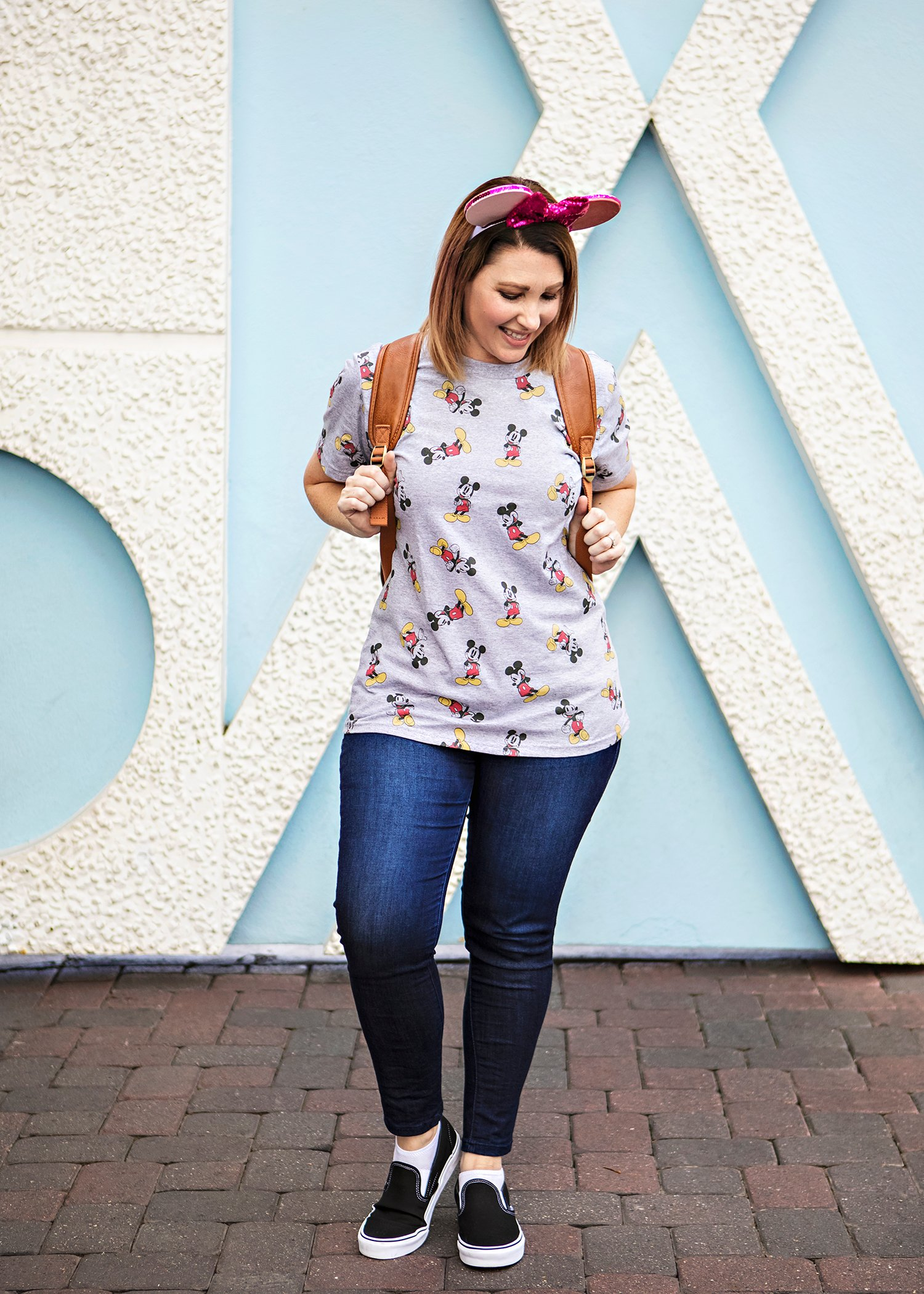 Looking for the perfect Disneyland outfits for spring? Pin this to remember what to wear to Disneyland in warm weather!