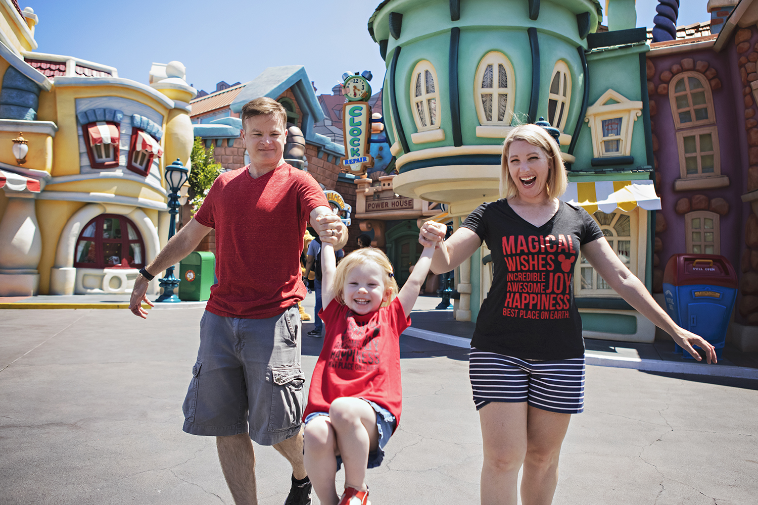 Disneyland Outfits: What to Wear to the Park - Lipgloss ...