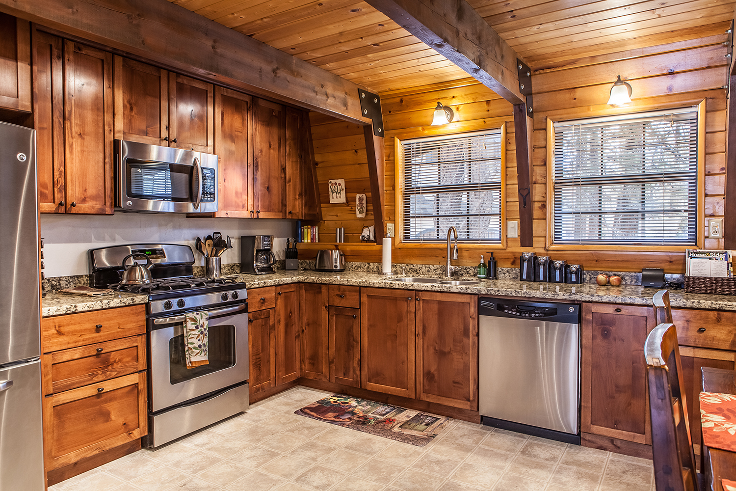 Planning a family vacation? This Big Bear Rental is perfect for family getaways!