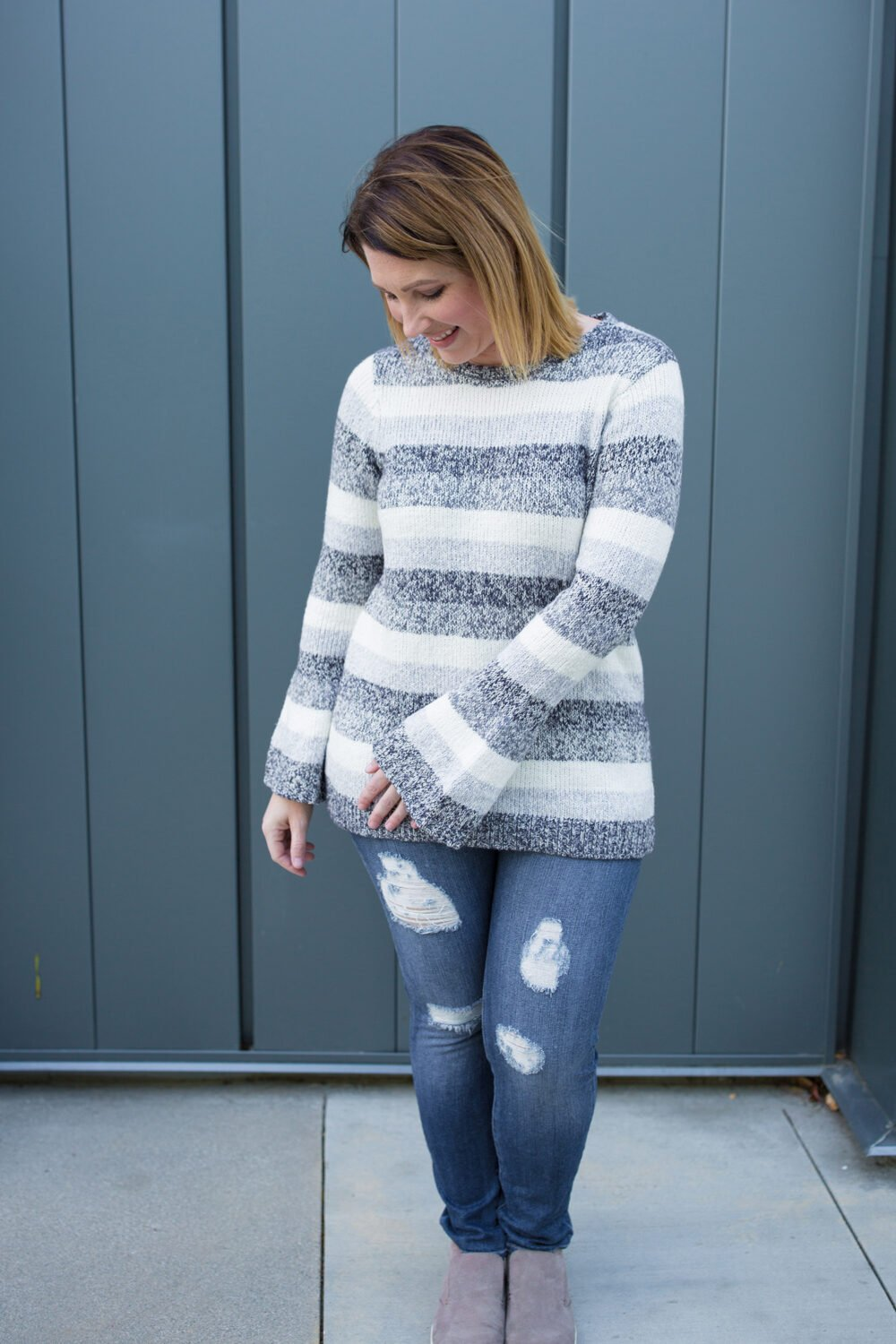 Stitch Fix Review February 2018: I love this outfit from stitch fix, that Kensie Karrington Marled Bell Sleeve Pullover sweater and those Just Black Lara Distressed Skinny Jeans? GREAT for the end of winter!