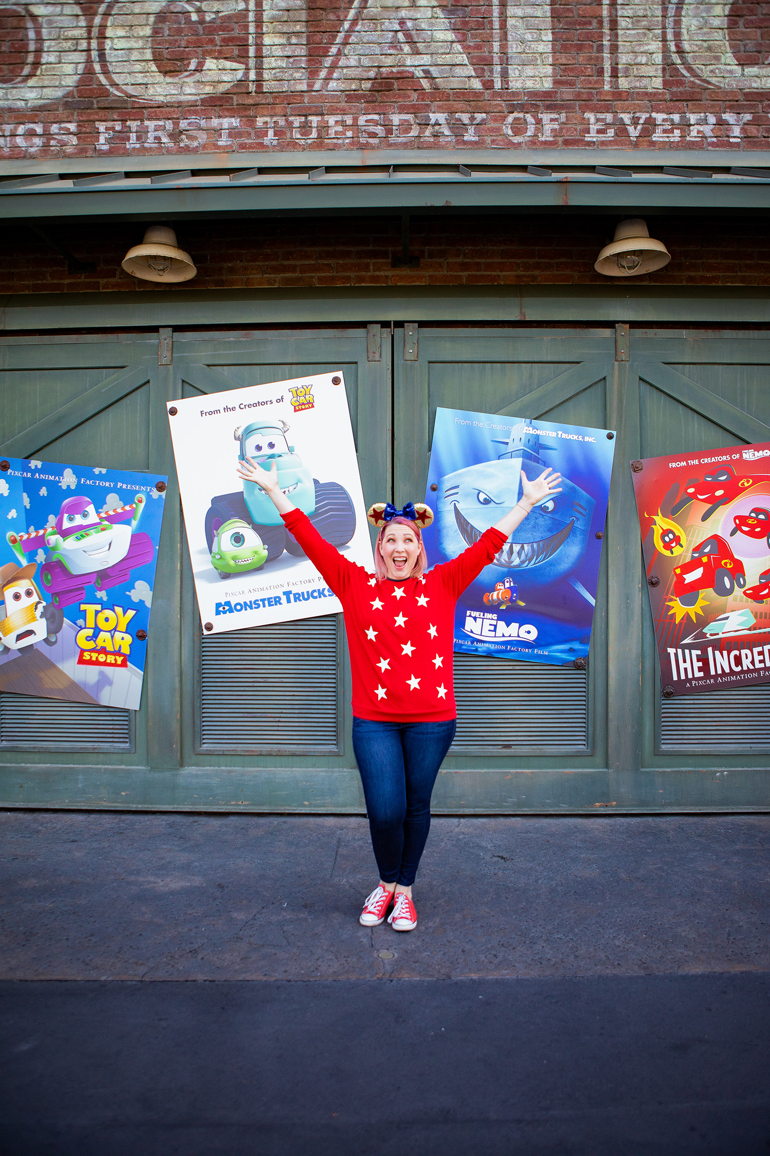 Disneyland Outfits: This star sweatshirt and these Pixar ears are PERFECT for Disney Bounding at Pixarfest!