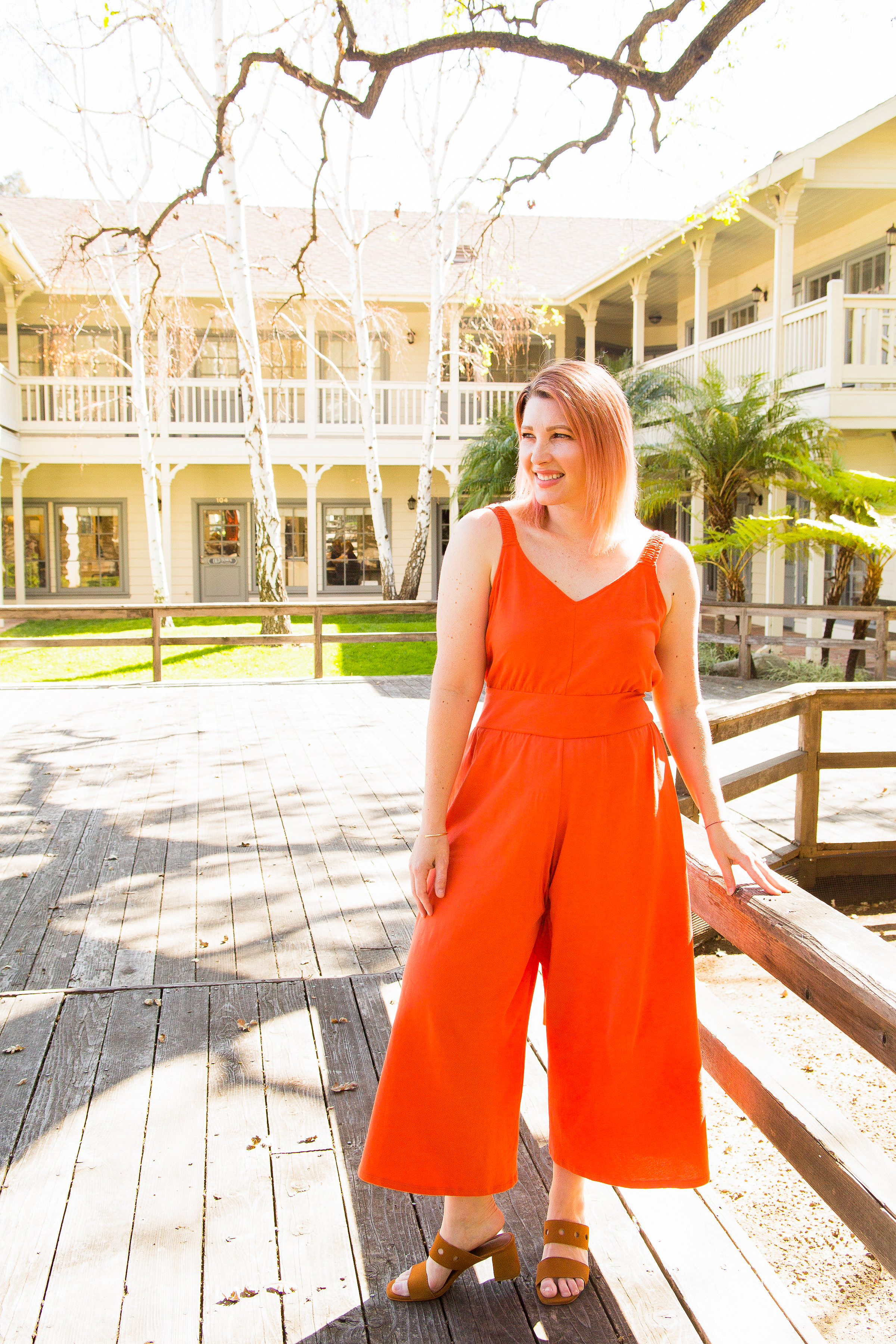 Who doesn't love a great bright jumpsuit? This one is perfect for summer or spring outfits!