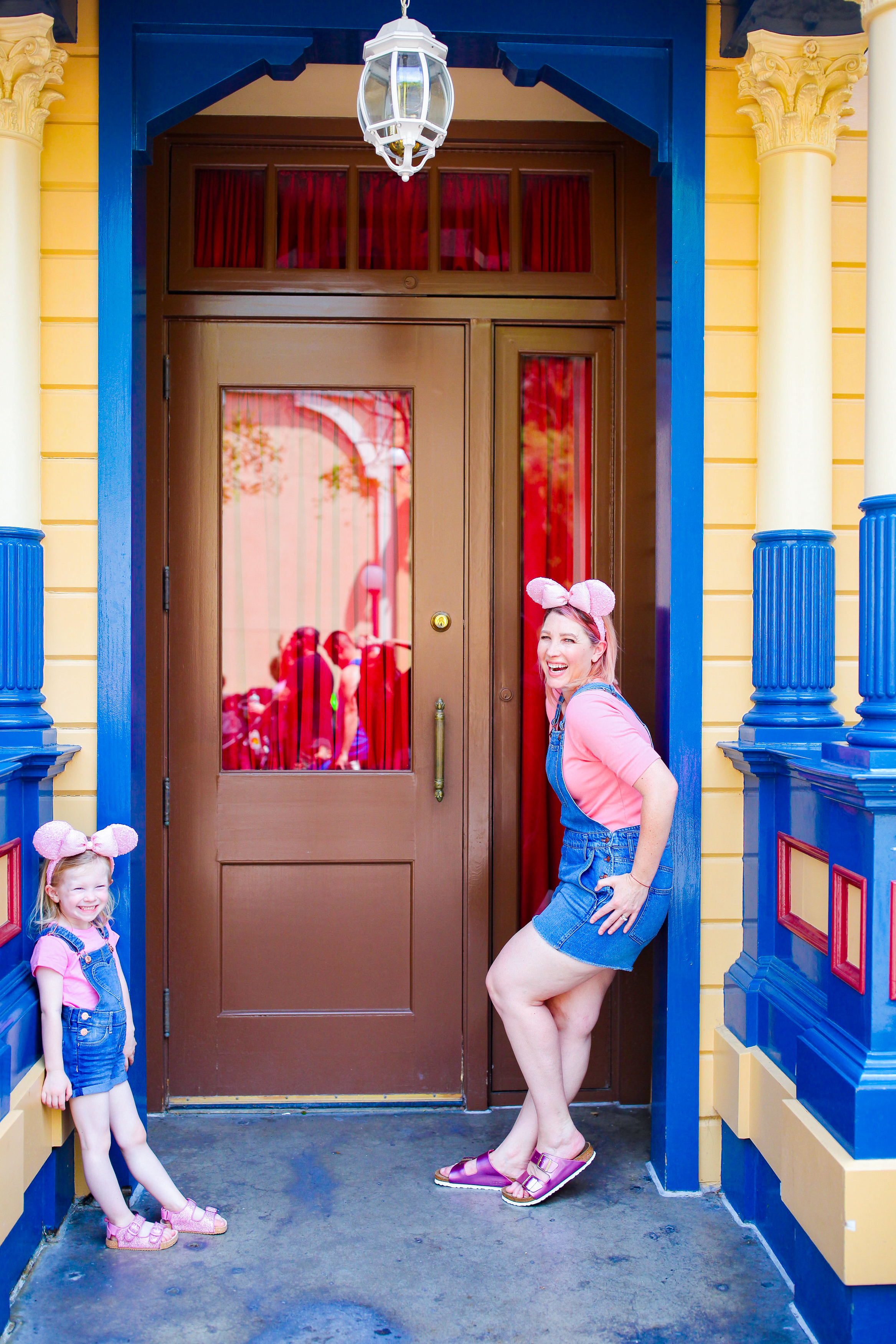 Those Millenial Pink Ears and short overalls are PERFECT Disneyland outfits pieces!