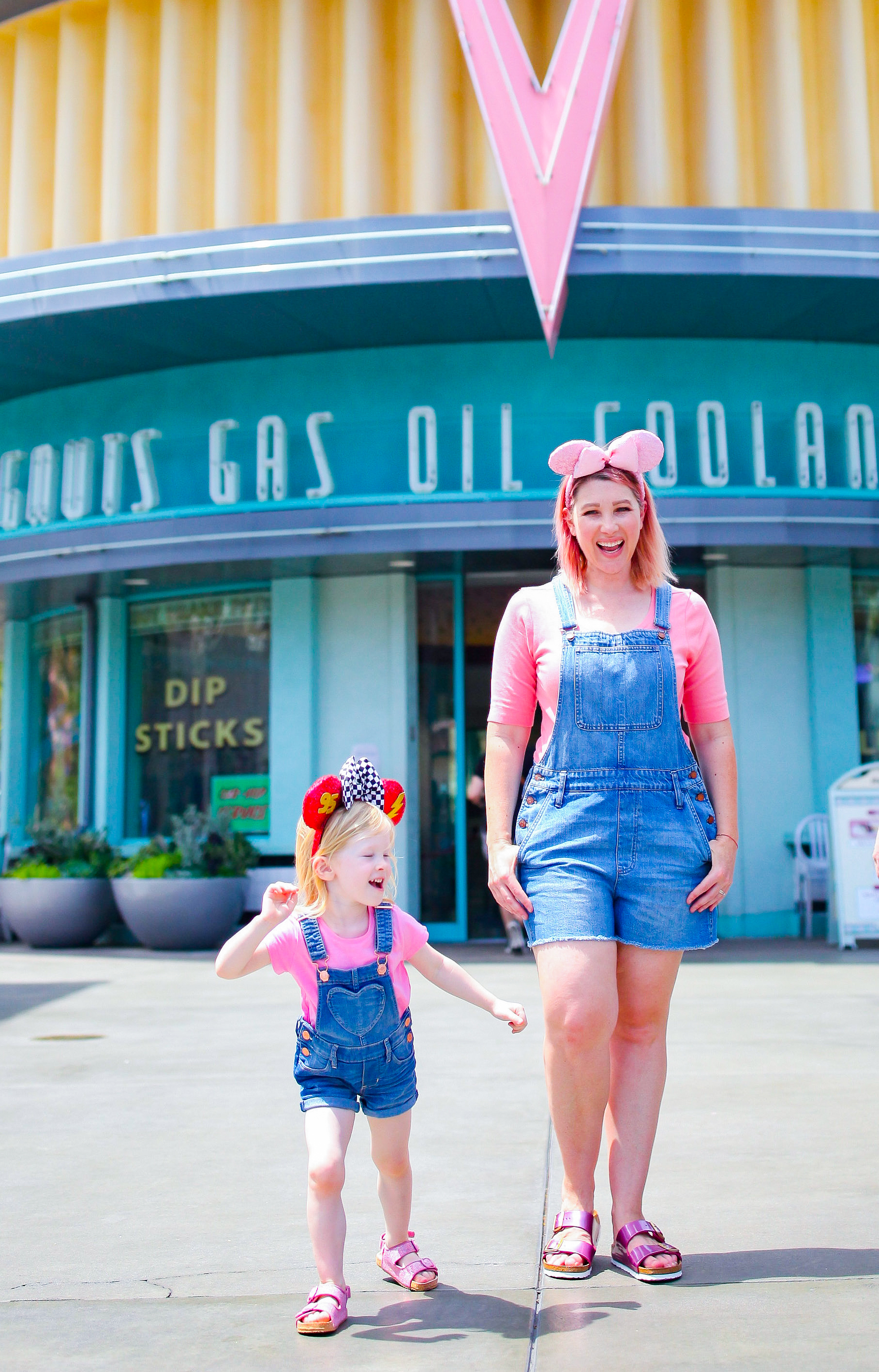 The Best Shoes for Disneyland: This post breaks down the perfect sandals for hot Disneyland Days!