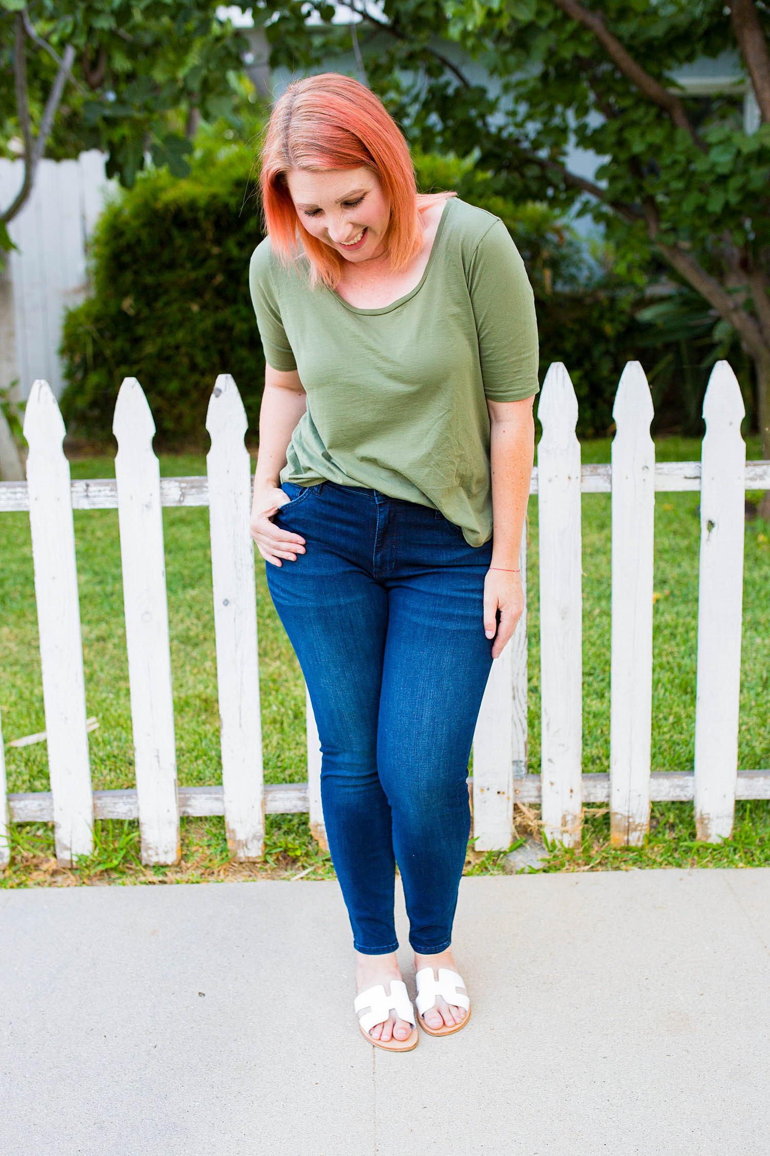 If you're on the hunt for basic dark blue jeans for a pear shaped body, these are PERFECTION!