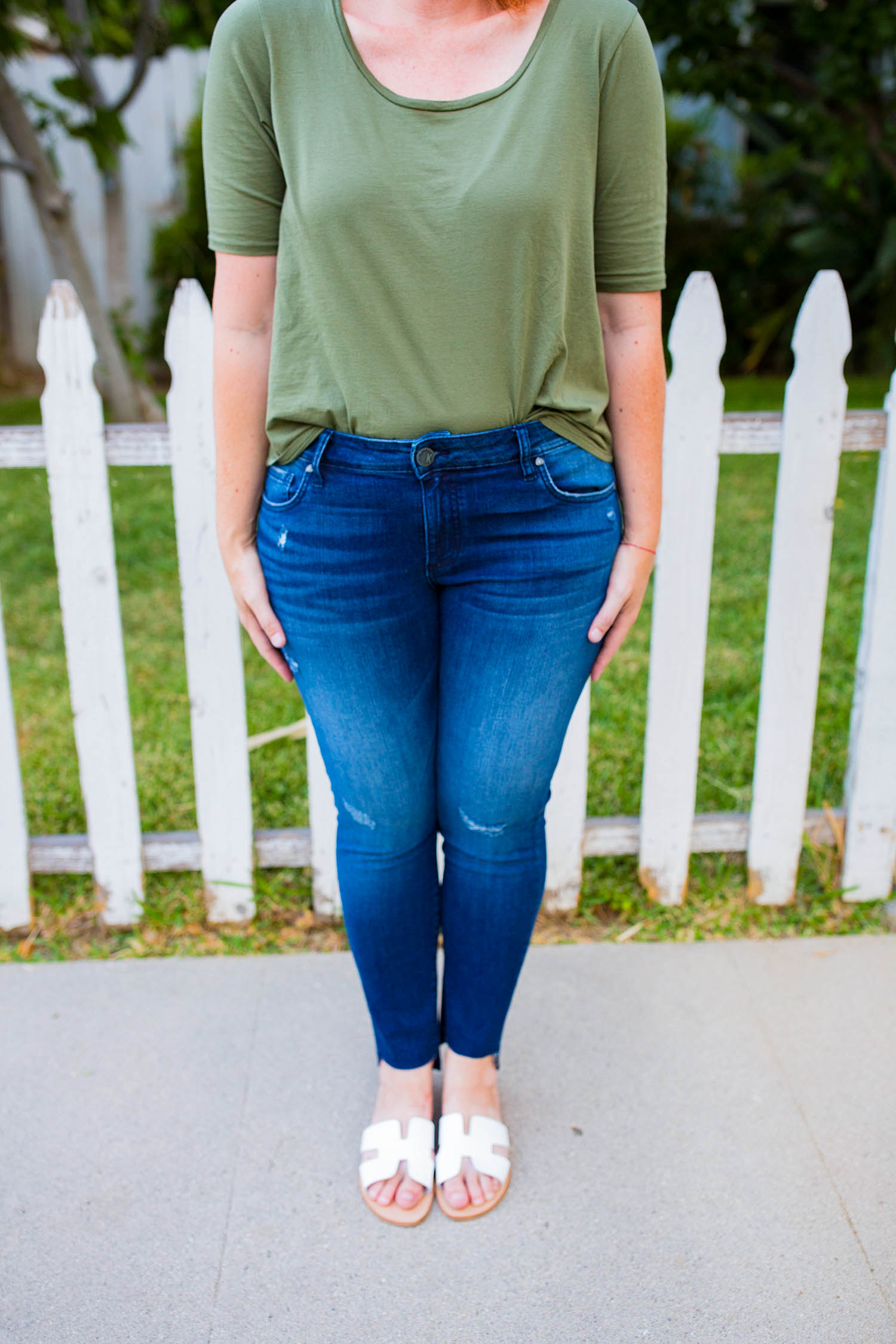 Nordstrom Anniversary Sale 2018: Fall outfits time is HERE, and these frayed jeans are a GREAT price!