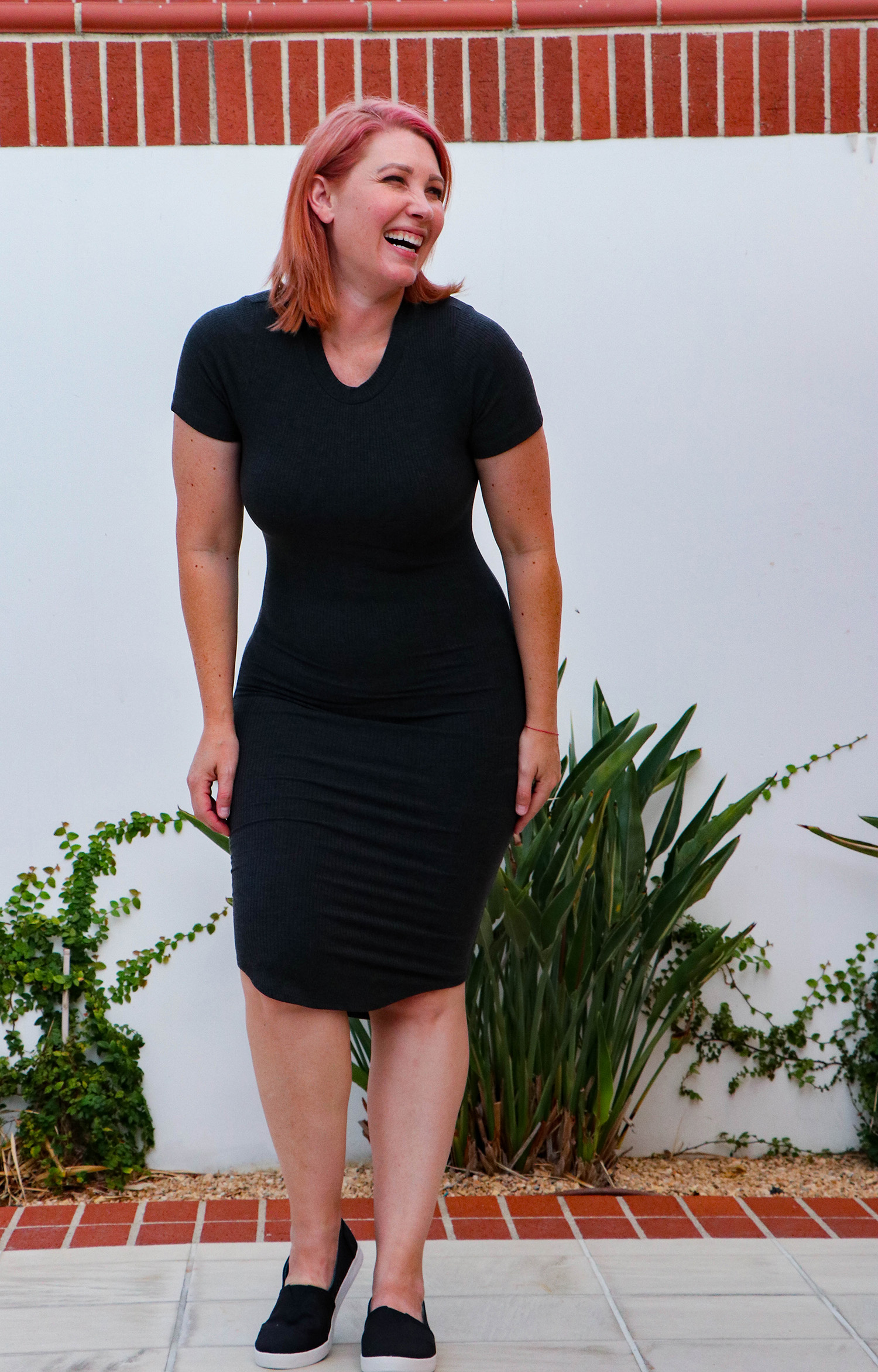 Stitch Fix Review September 2018: On the search for a bodycon dress? This LNA Taya Ribbed Knit Tee Dress fits like a glove!