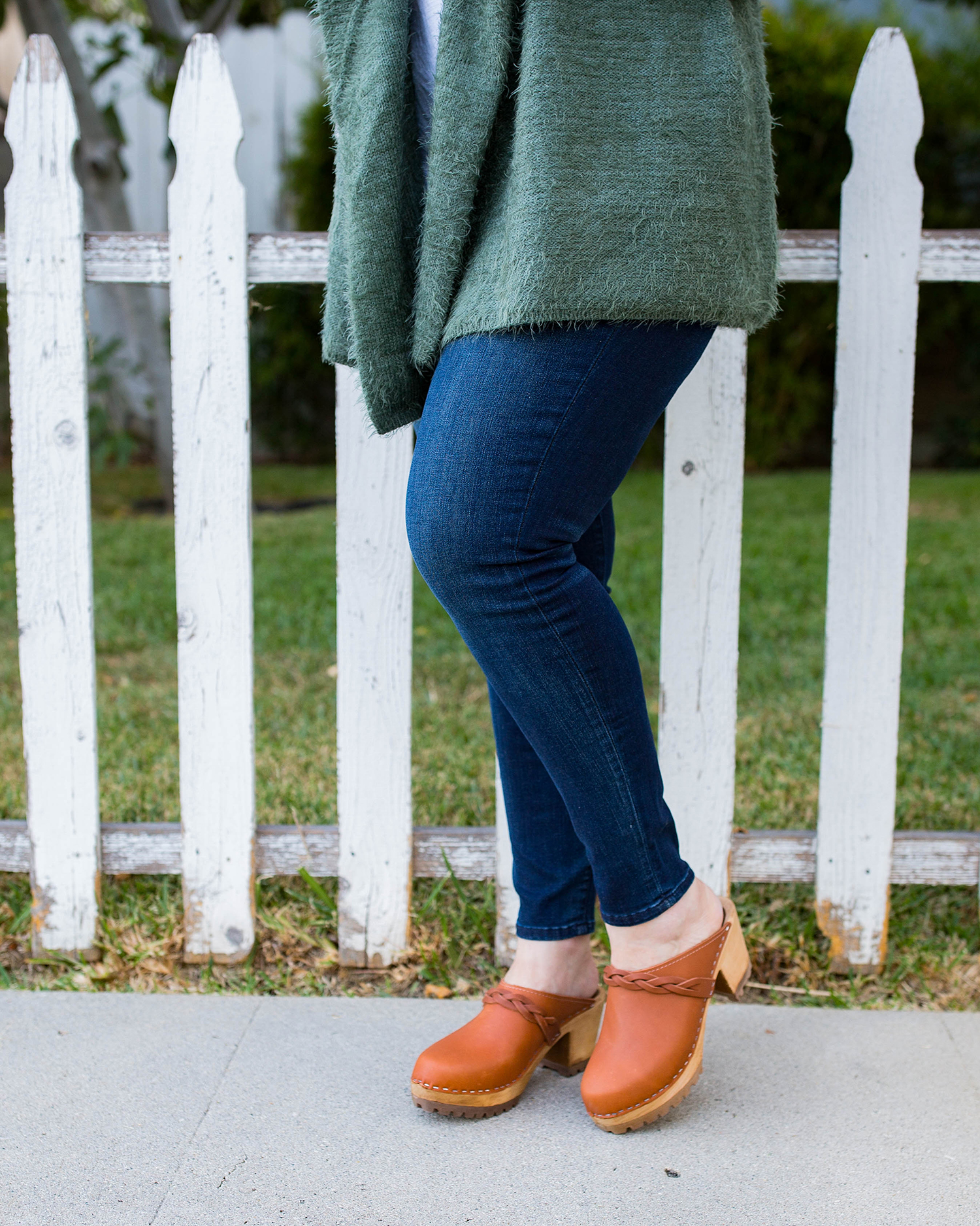 Amazon Prime Wardrobe: Have you tried it yet? I love these brown clogs....they're the perfect fall shoes!