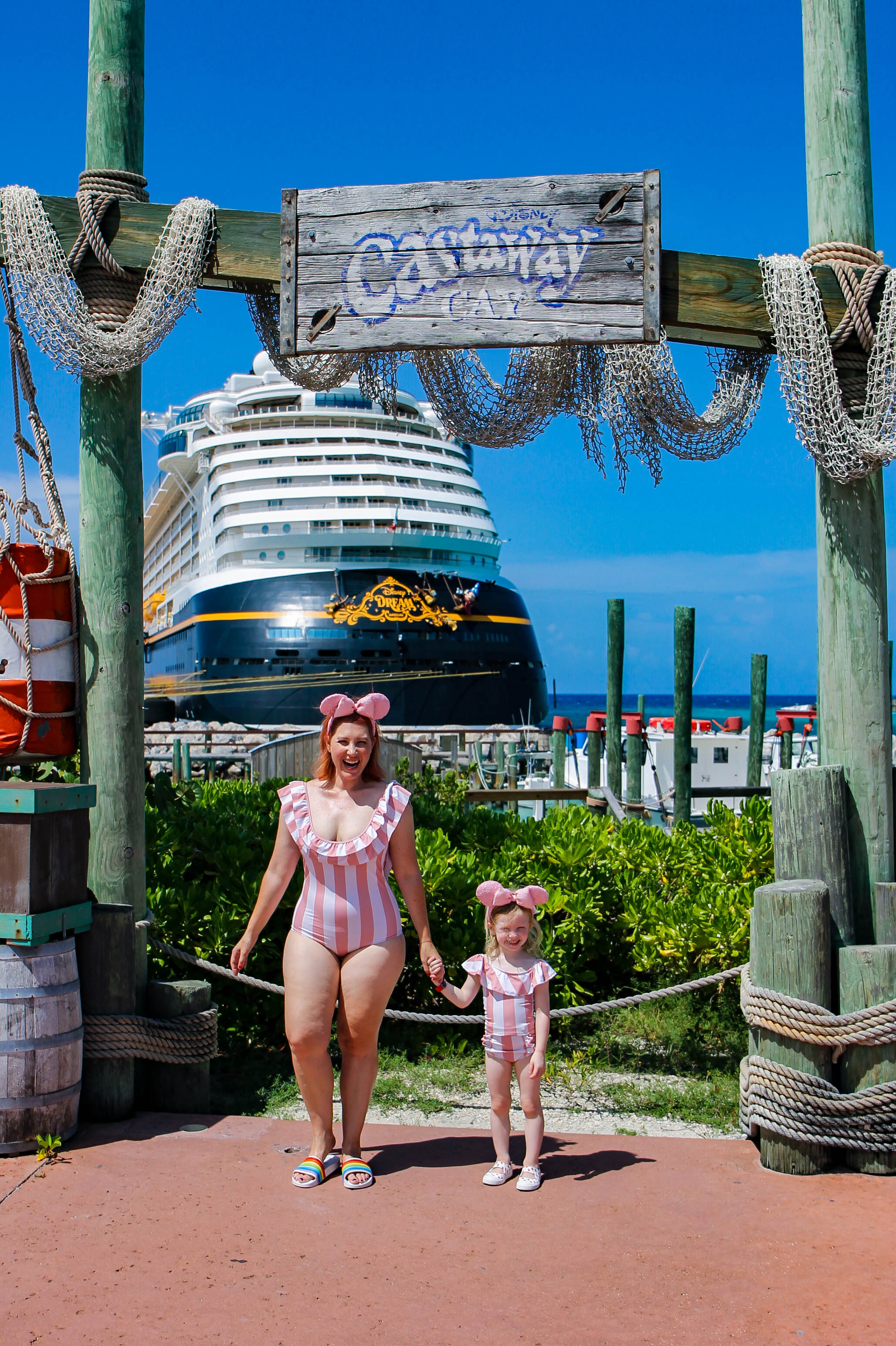 Heading on a Disney Cruise Line vacation to the Bahamas? This list of Castaway Cay Pictures will tell you where to shoot the best images of your family on Disney's magical private island!