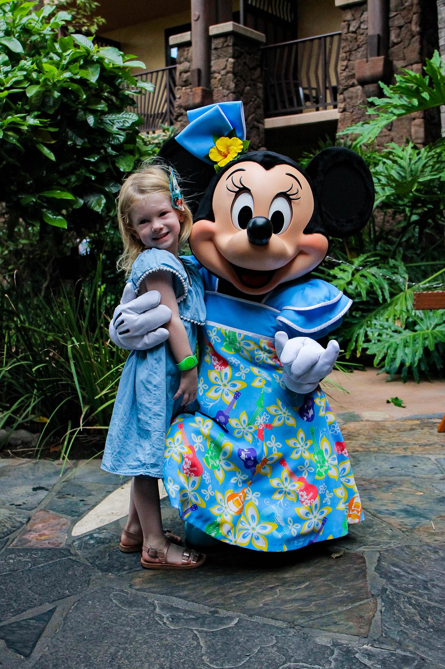 Minnie at Aulani, isn't her dress the cutest?!?