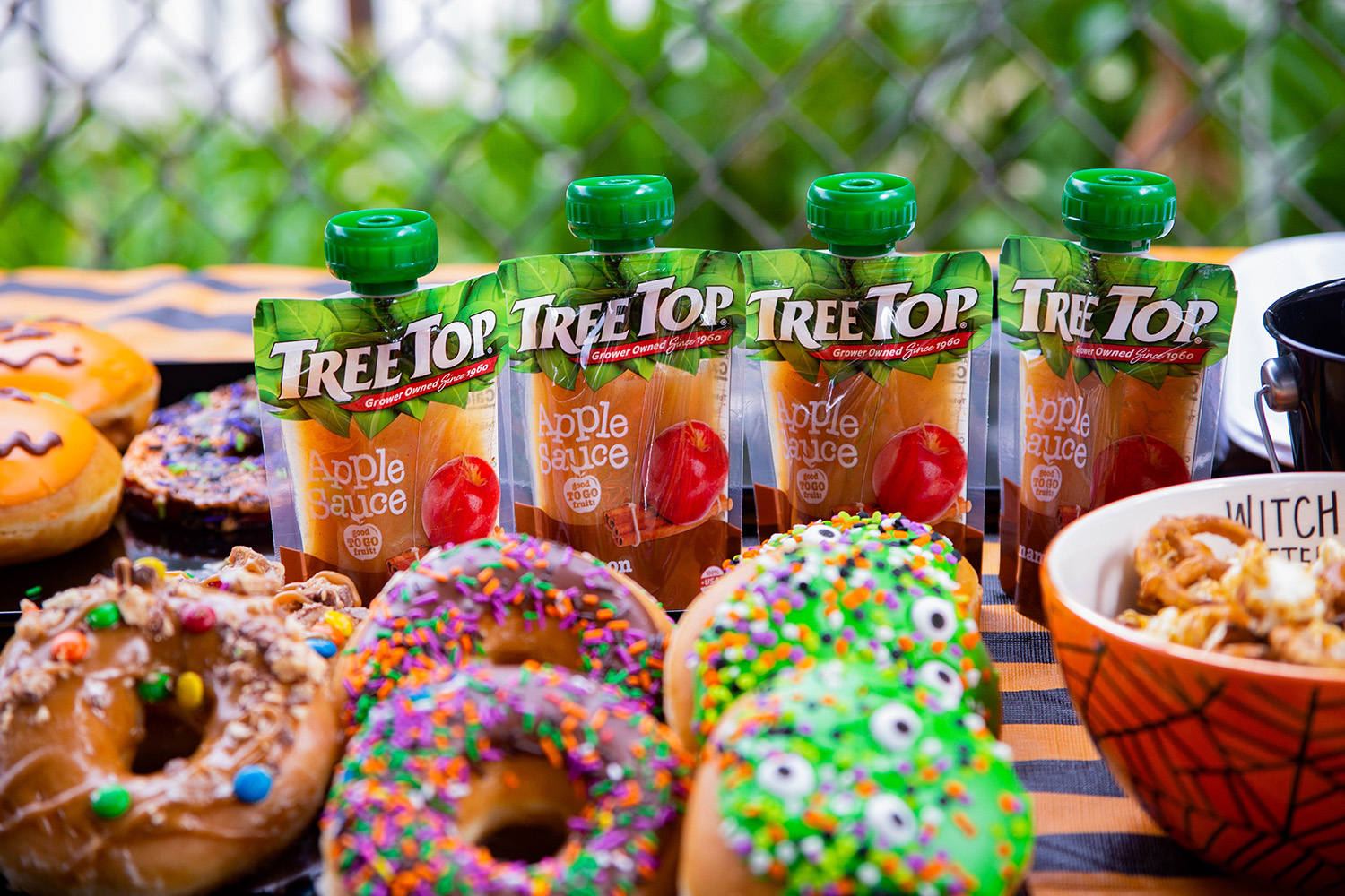 Looking for a healthy snack to bring on play dates? These Tree Top pouches are the BEST!