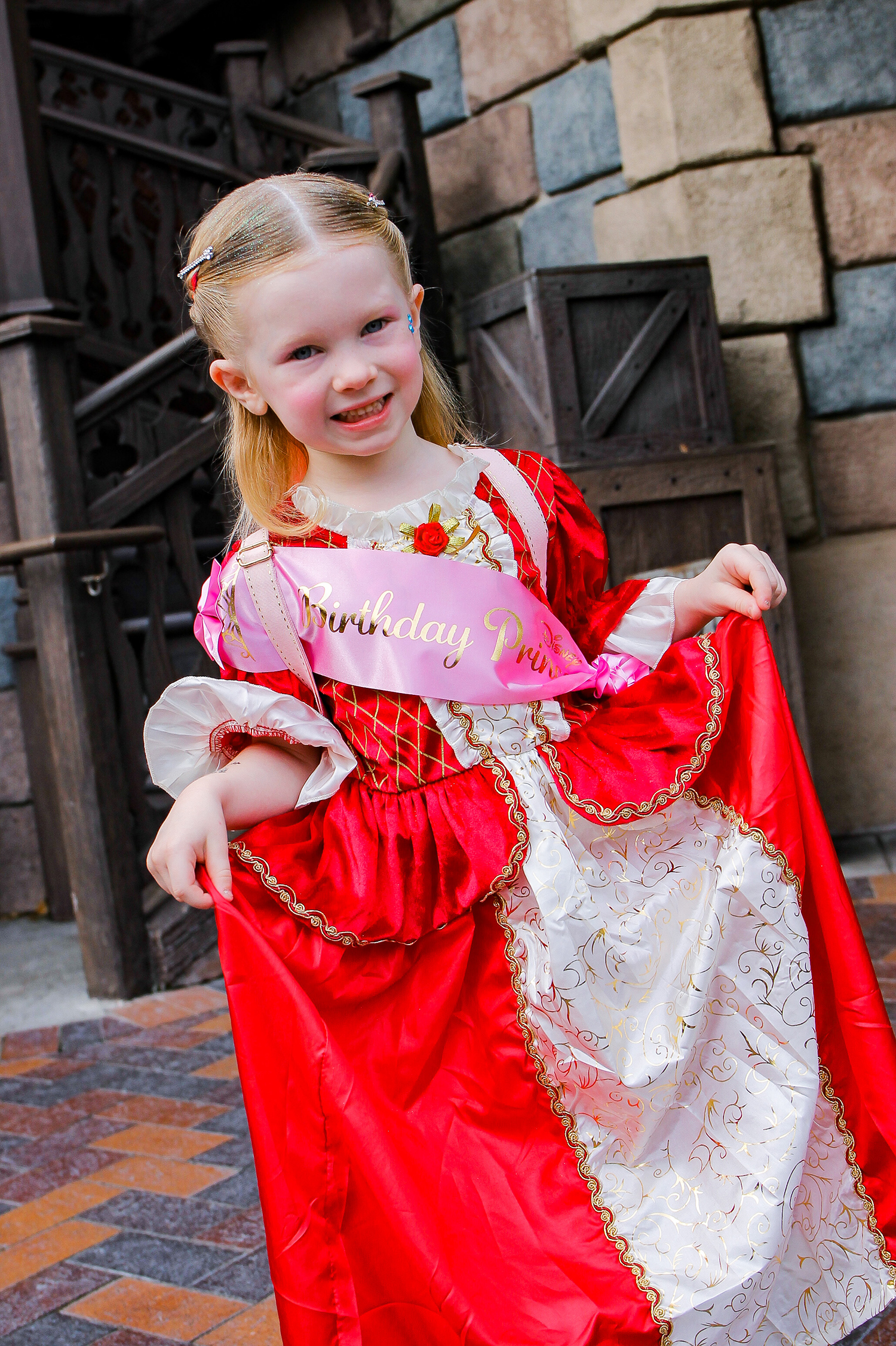 Disneyland Birthday: Want to visit the Bibbidi Bobbidi Boutique for a birthday? These tips to do it without breaking the bank are a must read!