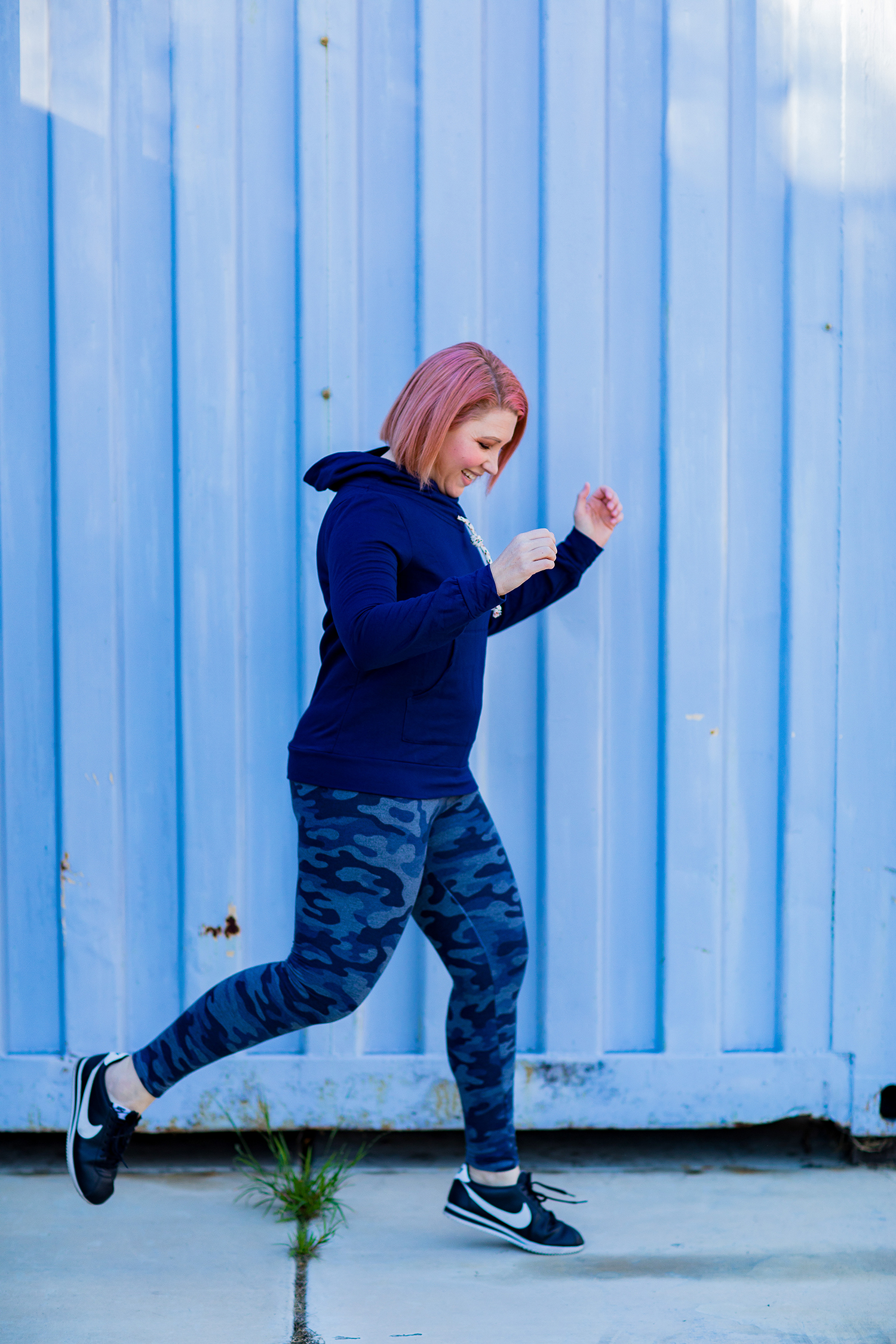 Stitch Fix Review January 2019: Looking for great athleisure wear? These Sundry Perry Legging Pants and this Loveappella Sommer Cowl Neck Knit Sweatshirt are perfect for cozy days at home or running errands!