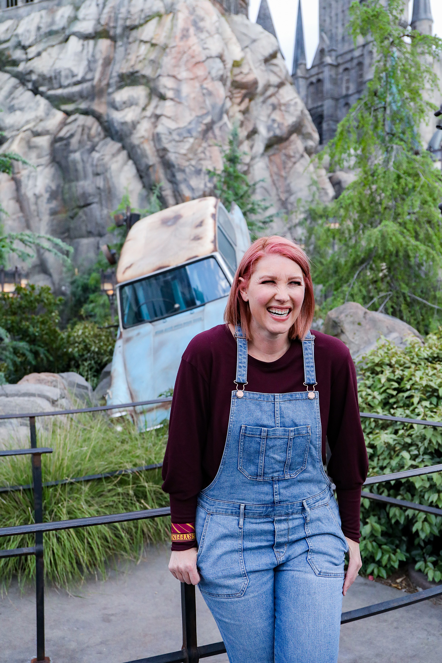 From Honeydukes to Hargrid's Hut, this is the ULTIMATE guide to taking pictures inside the Wizarding World of Harry Potter! Save it for your next trip to Harry Potter Land California!