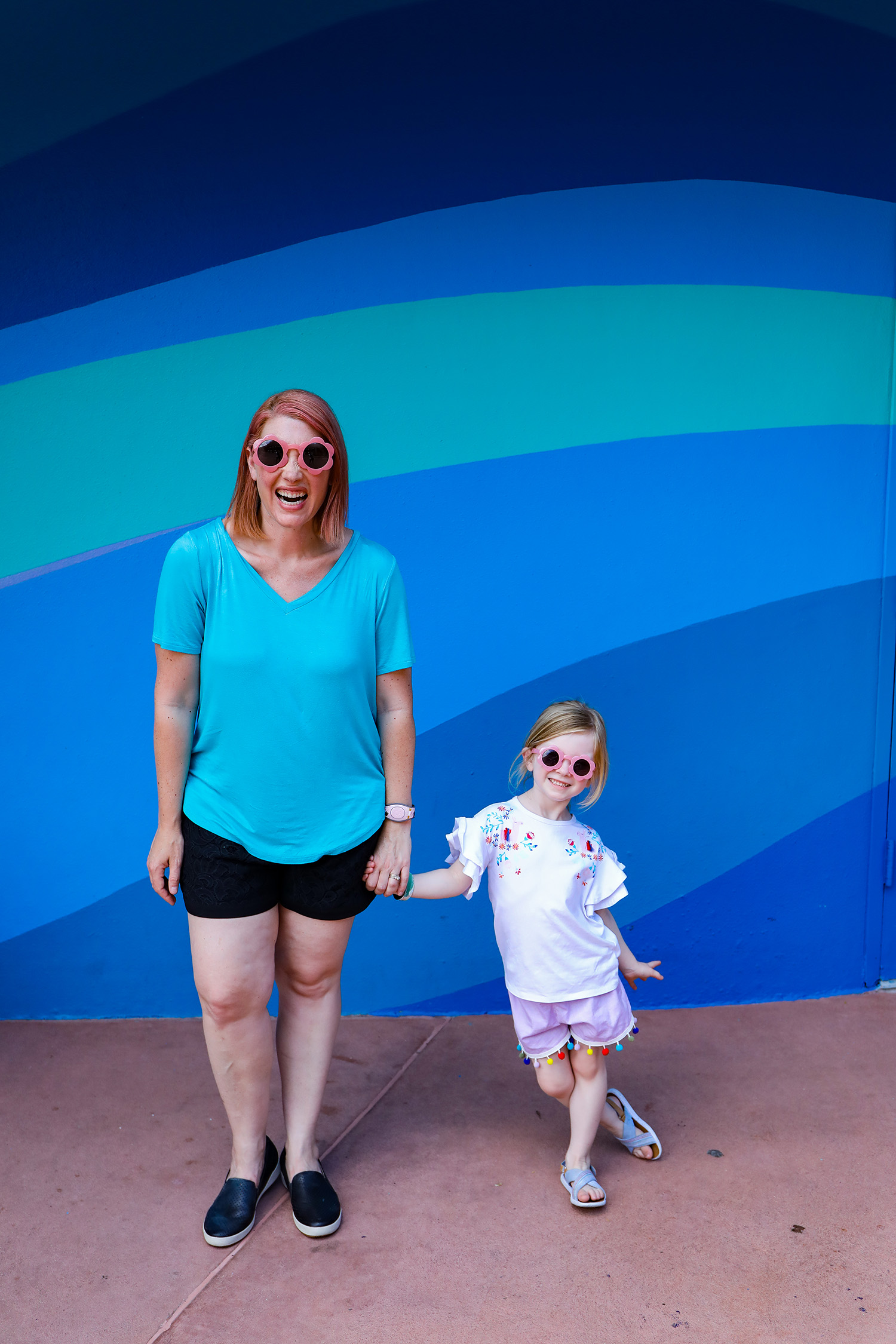 Heading to Epcot? I love these casual Disney World Outfits!