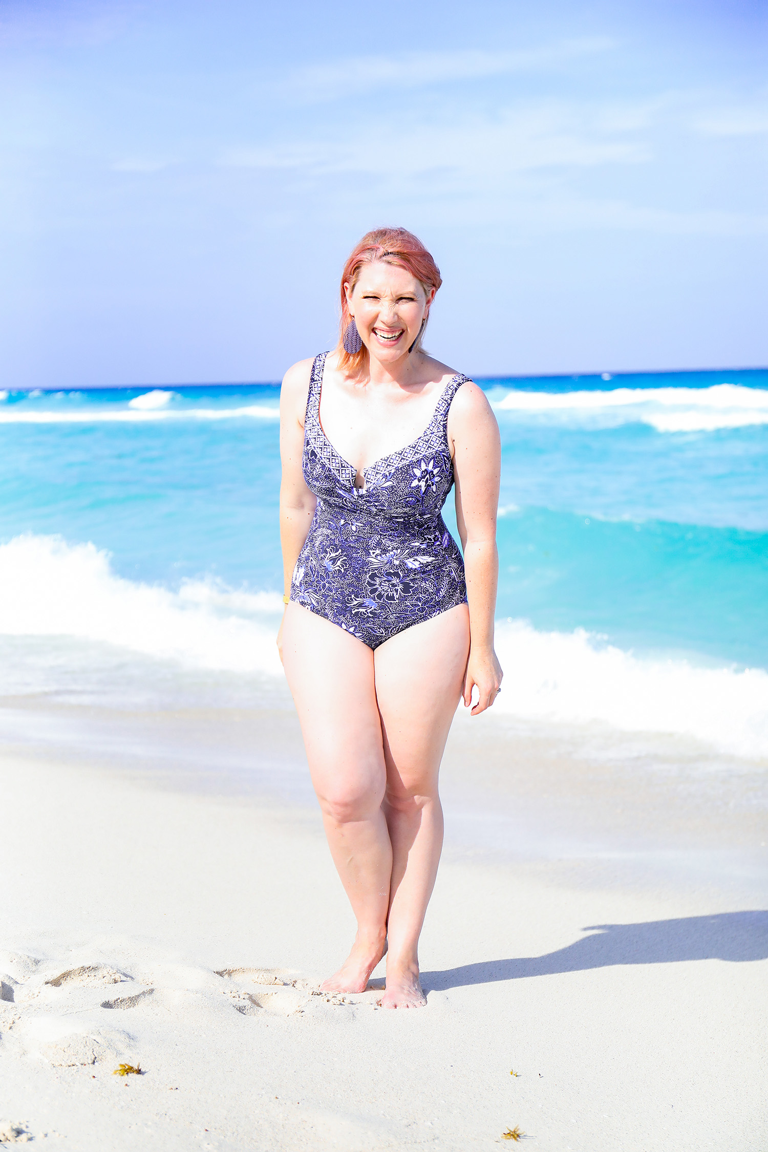 Looking for a great bathing suit for a pear shaped body? This one piece from miraclesuit swimwear is super flattering!