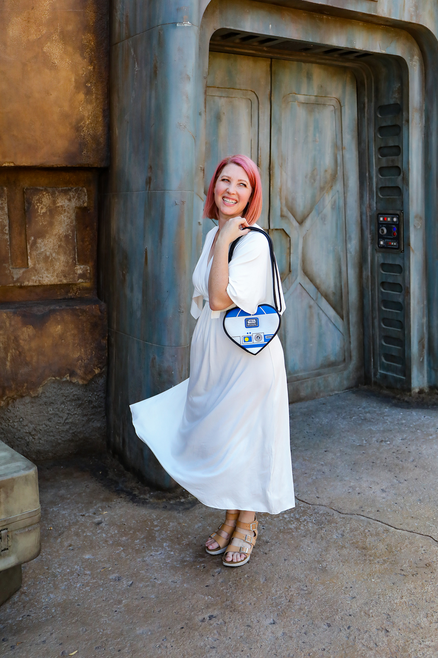 Looking for the perfect Disneybound to wear to Star Wars Land? This Leia Disneybound is PERFECTION!