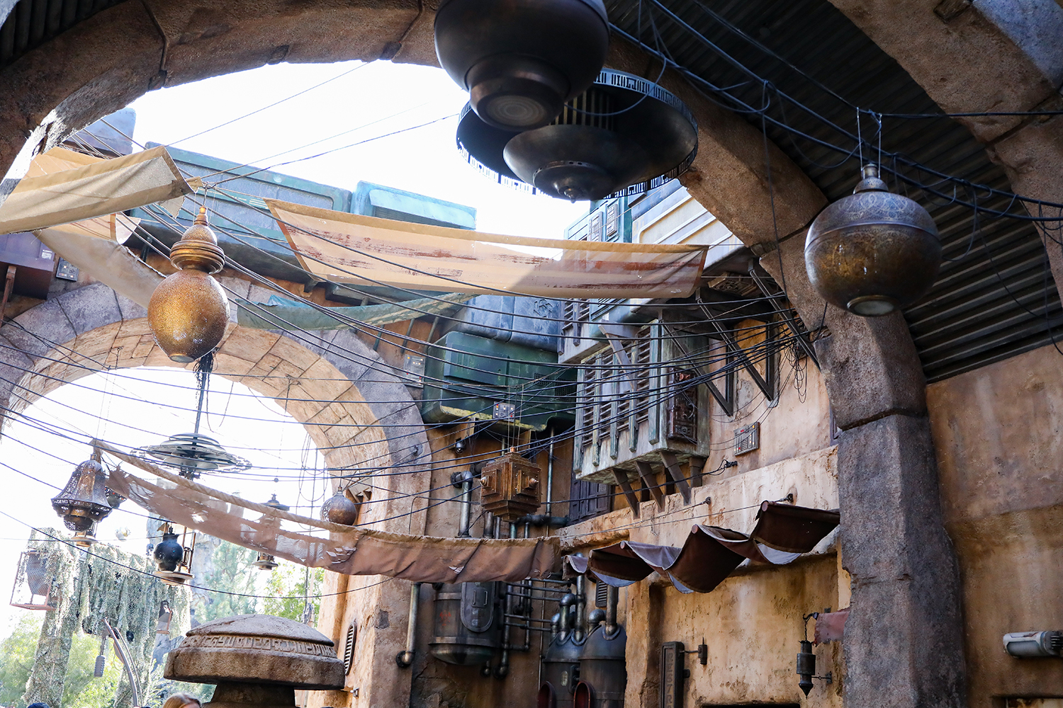 Black Spire Outpost Shops: Star Wars Land