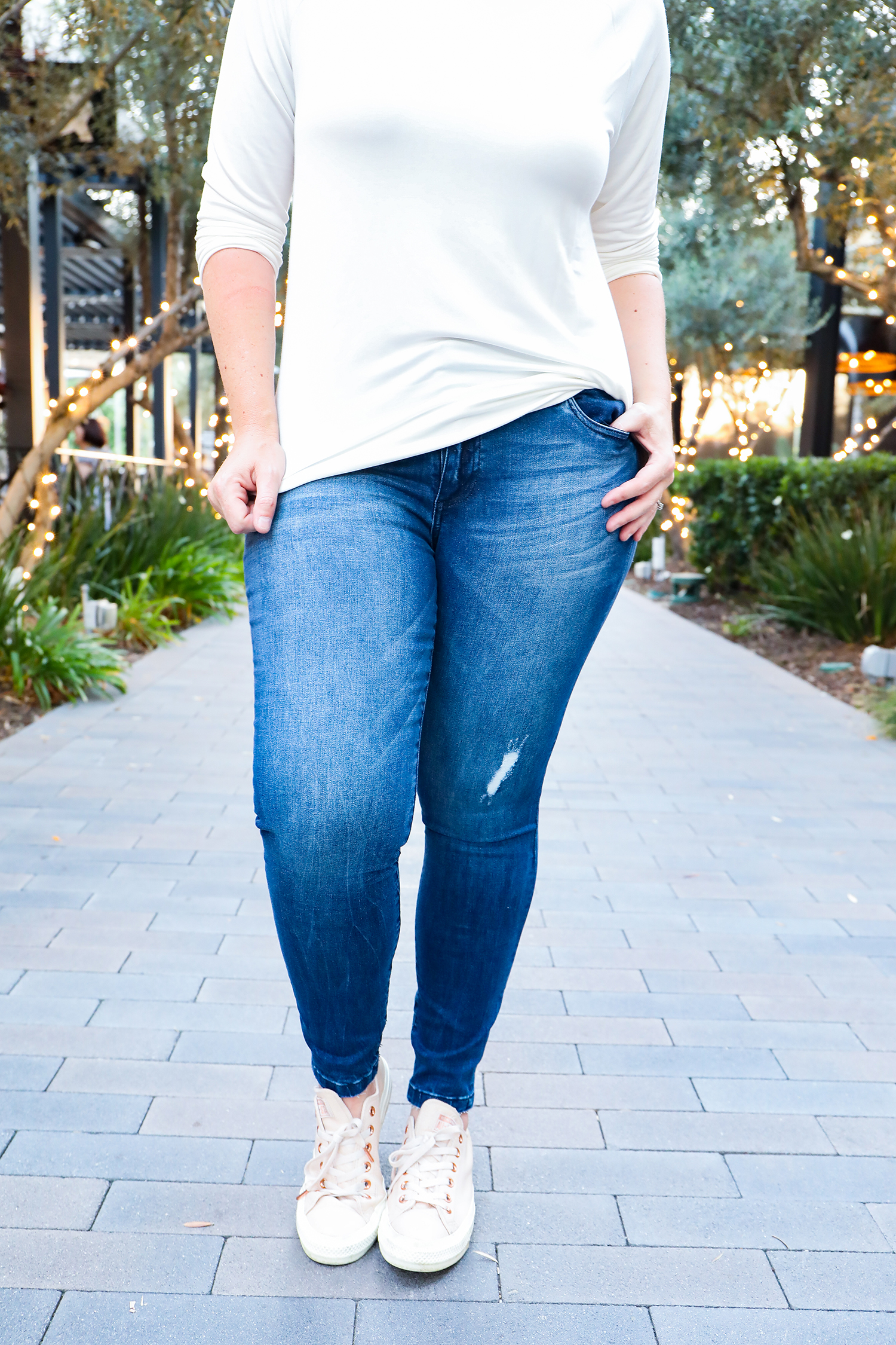 On the hunt for light denim skinny jeans? These fit like a DREAM!
