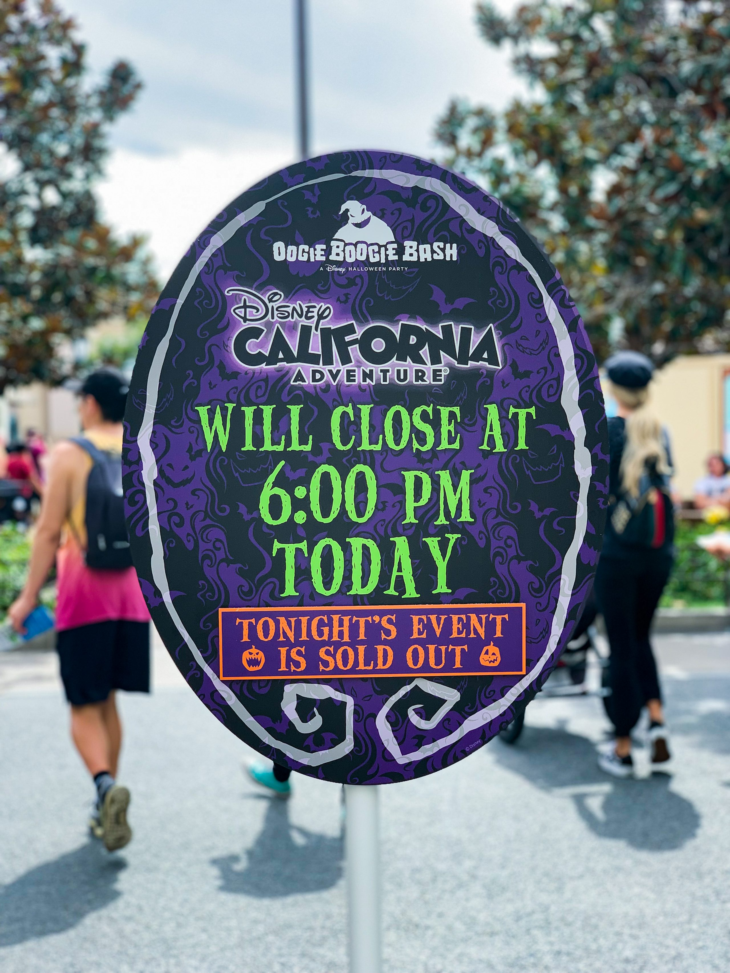 Heading to the Oogie Boogie Bash this year? This is the PERFECT schedule to insure that you hit EVERTHING!
