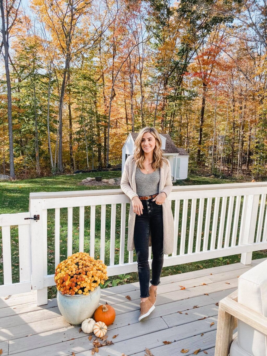 These madewell jeans are PERFECT for year round wear!