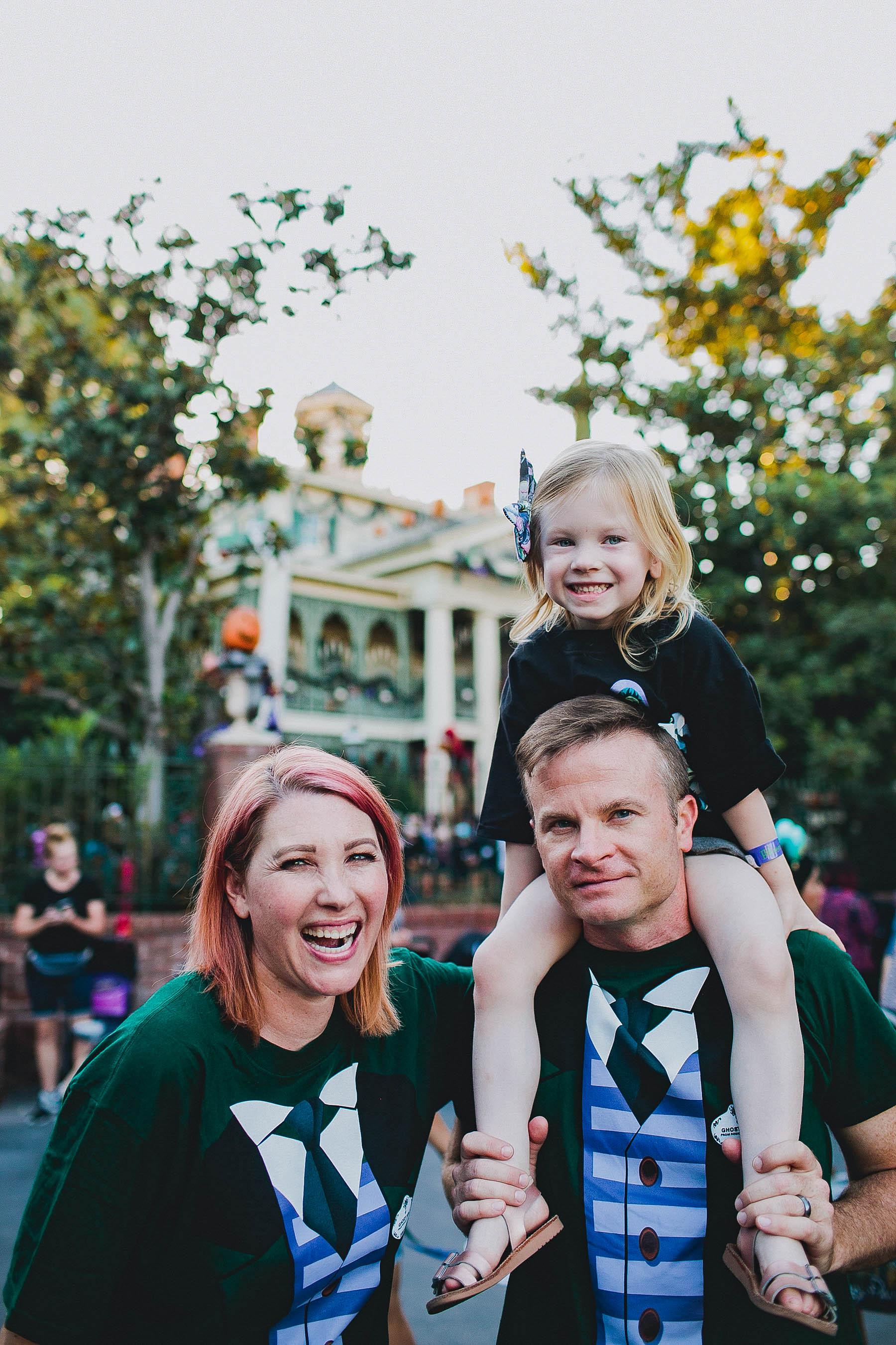 Looking for Disneyland Activities that aren't rides? This list of Disneyland Secrets has 100 of them!