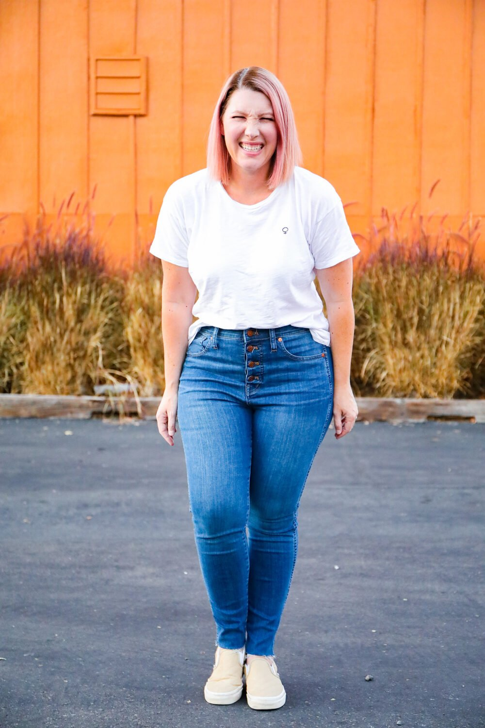 Looking for the BEST high waisted jeans for a pear shape? These fit like a DREAM!